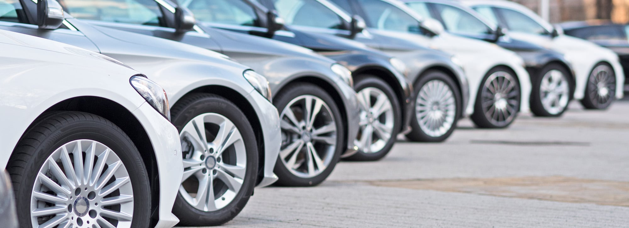 line of chauffeur cars for chauffeurs who use chauffeur dispatch software